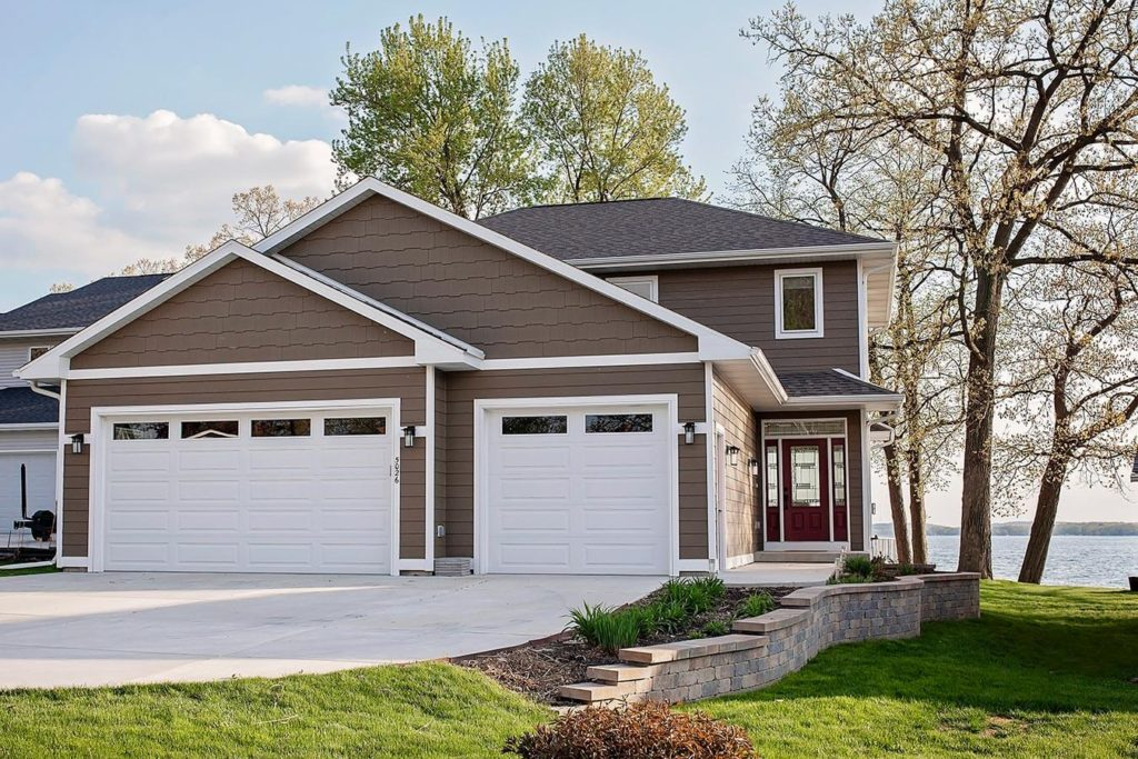 Cheramy Builders Inc., Card Ave home exterior siding and garage.